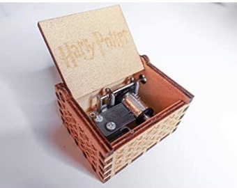 Miniature wind up music boxes films box traditional gifts childrens princess wizard Halloween Christmas gift melody song keepsake wood