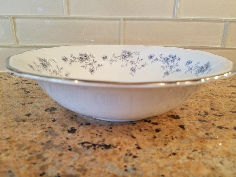 Vintage 1960/'s Johann Haviland Bavaria Germany Chippendale 9 Round Serving Bowl Blue Floral /& Platinum