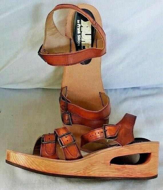 NOS Vintage 1970s Frank Sbicca STUFF sandals wood