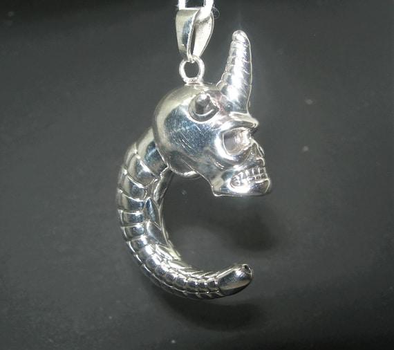 Silver Skull PendantCraniumSkullMemento Mori925 Sterling Silver PendantGothic PendantBiker NecklaceRockerMen/'sWomen/'sCharm cs-053