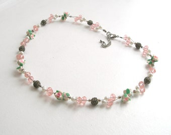 Roses, necklace,hand made,pearls,vintage