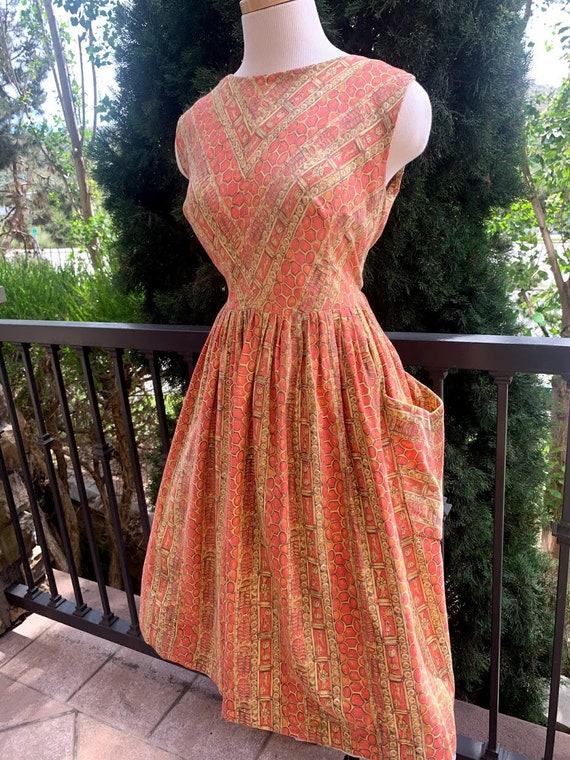 Vintage 1950's Novelty Print Dress