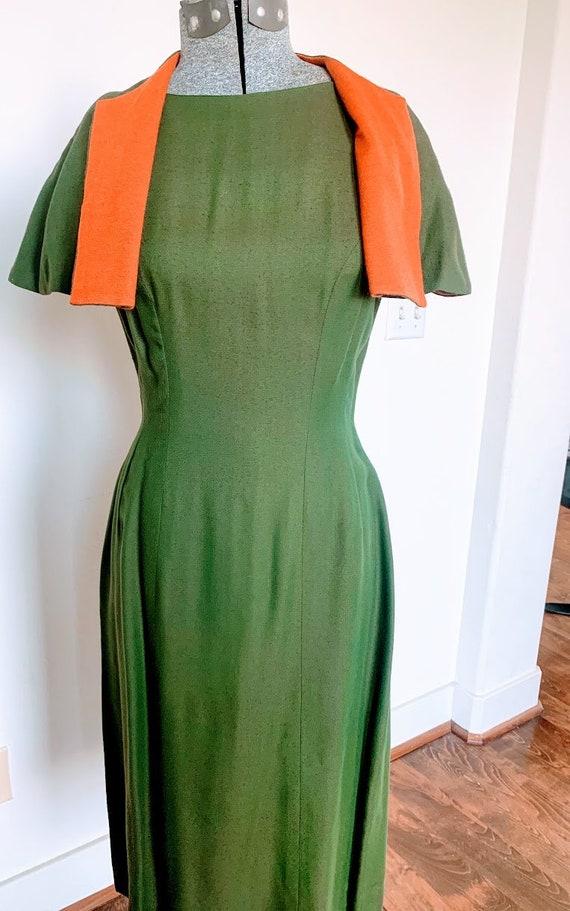 Vintage 1950's Wiggle Dress with Reversible Capele