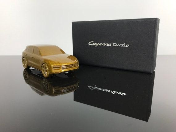 Porsche Briefbeschwerer Cayenne Turbo Gold Glitzer Sammlerstück Unikat Deko Geschenk Individuell