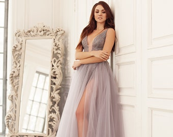 Split-to-the-thigh gray gown