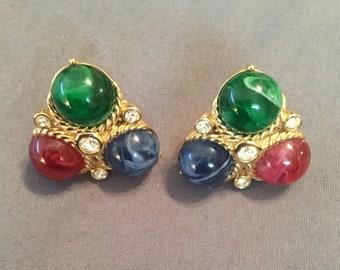 Vintage signed Trifari beautiful 1965 Jewels of India clip on earrings