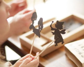 Perfect Shadow Puppet Theater / Puppet Theater / Toy Theater / Educational toys / Storytelling game / Gift for kids / Waldorf toy