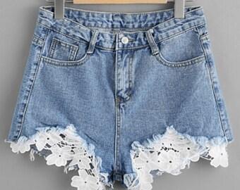 Contrast Crochet Frayed Hem Denim Shorts