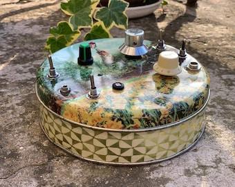 White Noise box sound design stompbox