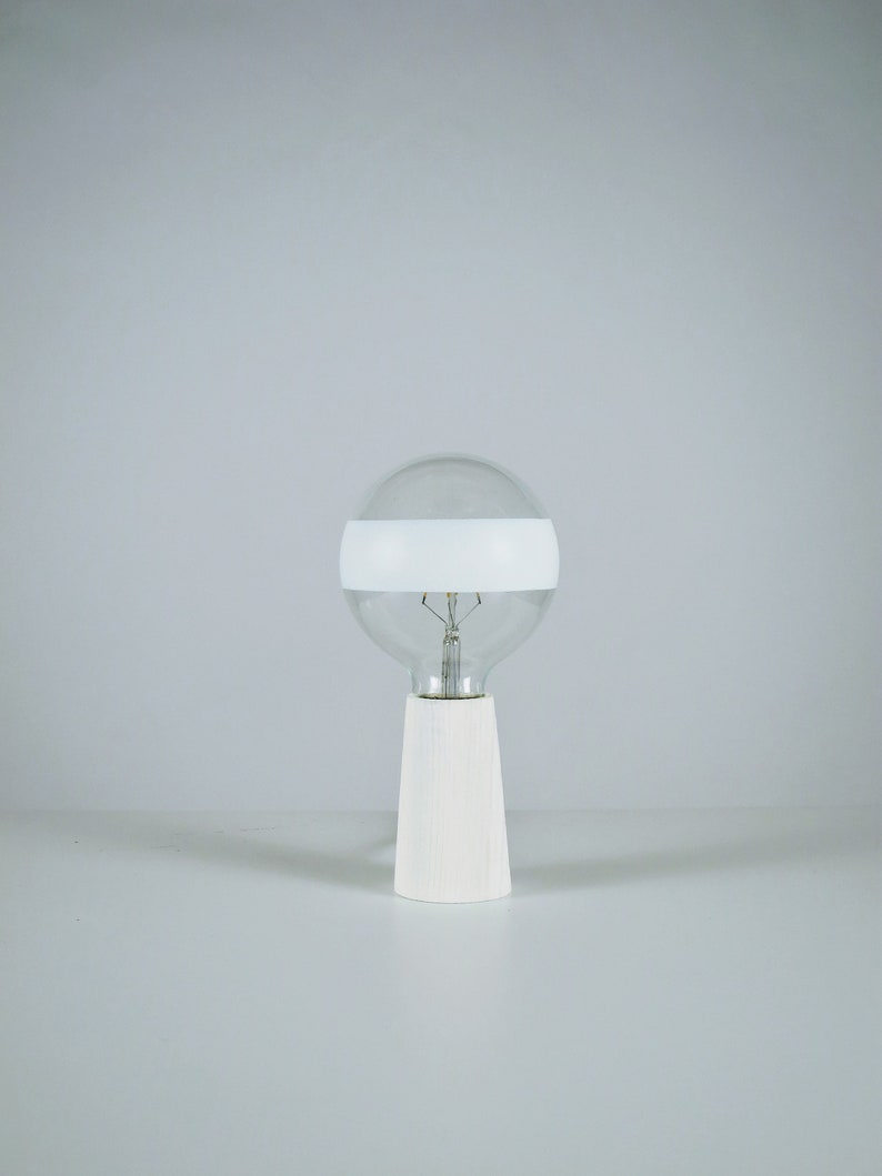 T lamp White image 0