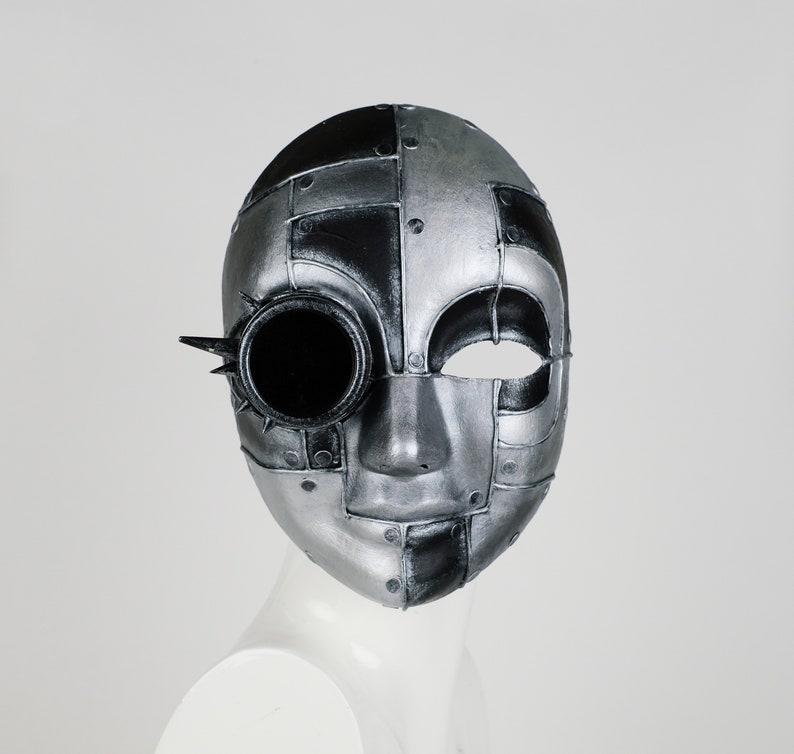 Face Mask Futuro Iron