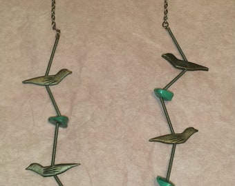 """Vintage Handmade Navajo Silver-Tone Spring Faux Turquoise Nugget Carved Bird Fetish Necklace 21"""""""