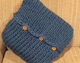 Big knit cushion