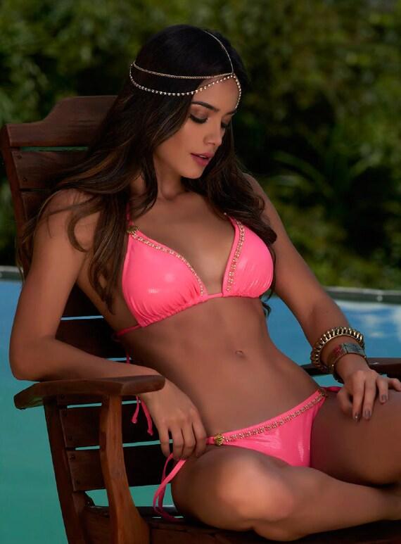 Colombian model pink bikini foto 336