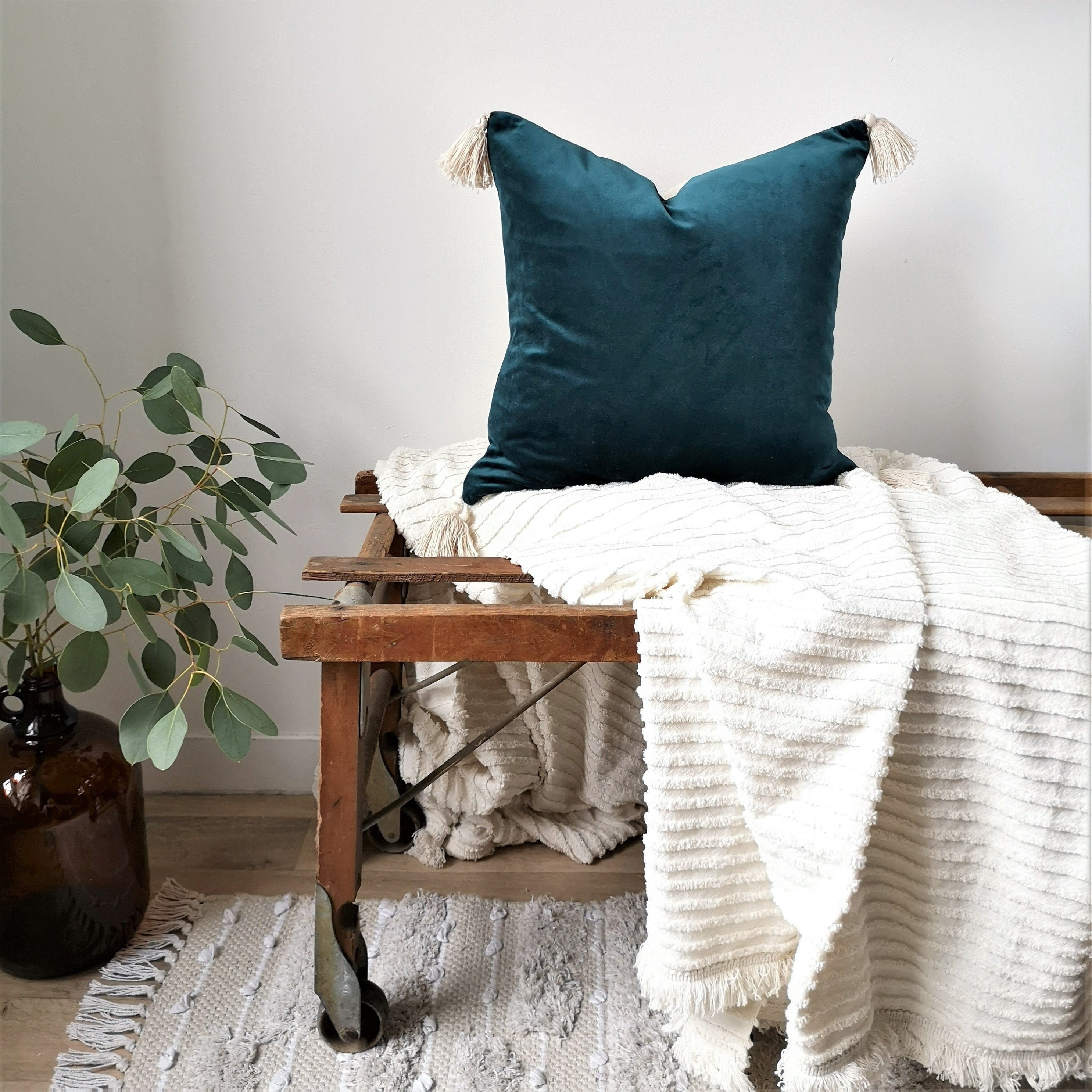 Salon Taupe Et Turquoise collection - natural canevas - blue velvet 18''x18' square cushion cover,  polyester or down padding