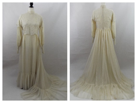 Vintage Edwardian High Collar Antique White Lace W