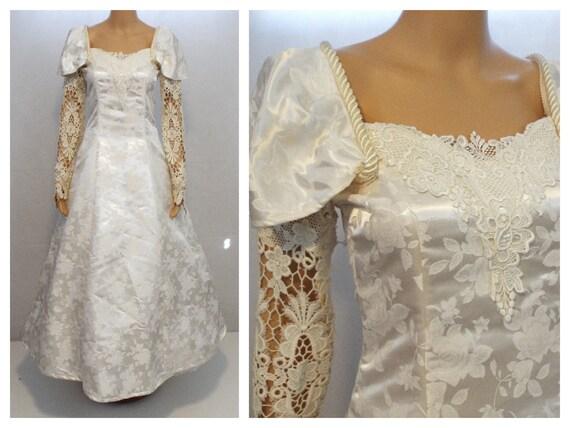 1980s Vintage Wedding Dress - Wedding Dress Lace W
