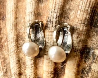 Vintage clip on earrings faux pearls 1940 1950