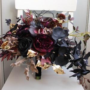 Game of Thrones Crow /& Kraken Medieval Fantasy Thrones Wedding Bridal Flower Bouquet White and Black Bouquet Gothic Fantasy Wedding Bouquet