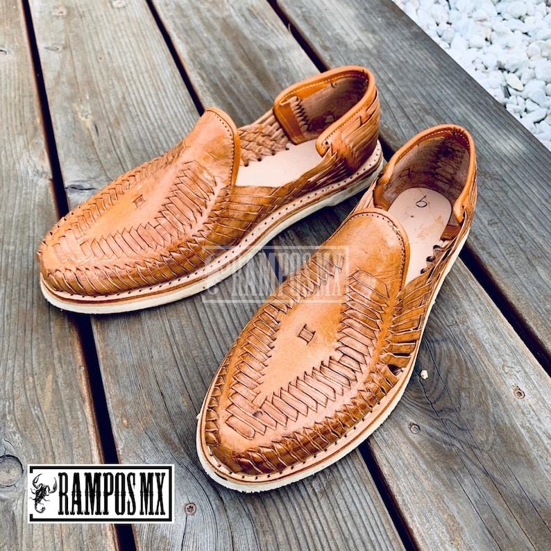 1970s Men's Clothes, Fashion, Outfits Mens Mexican Handmade Leather Sandals men Huaraches Mexicanos Sandalias de Piel para Hombre Sahuayo Mexico CERRADO PUNTO oj $54.95 AT vintagedancer.com