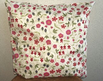 Liberty floral 2 pillows