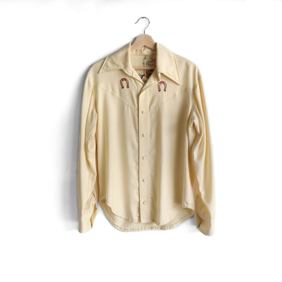 Handmade Embroidered Pale Yellow Western Pearl Sna