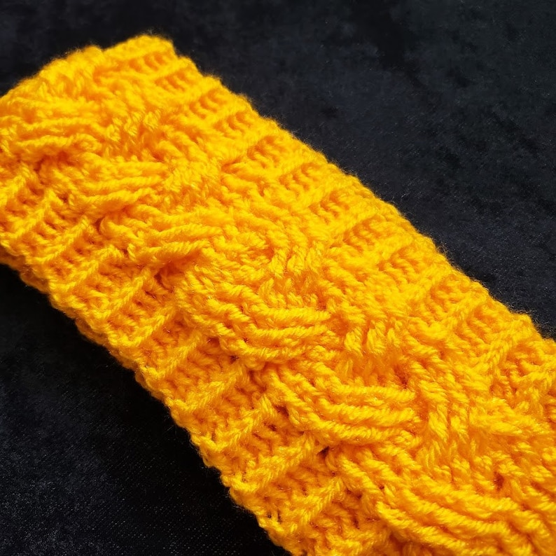 Cabled Crochet Earwarmer image 0