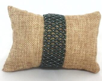 Seed bead netted bracelet