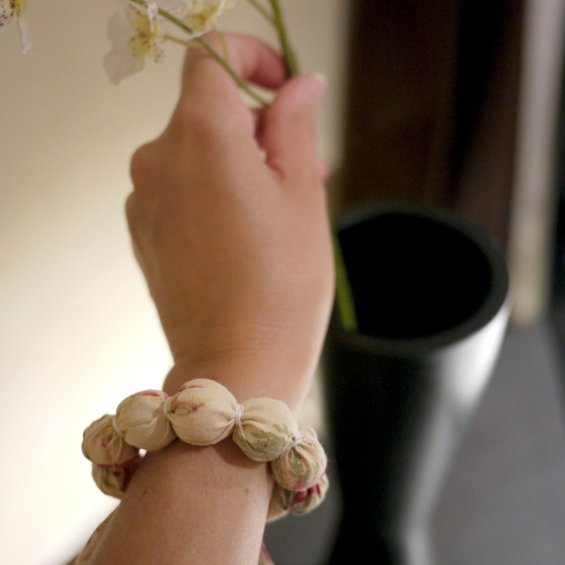 Candy Bracelet made of cotton fabric sewing kit image 0