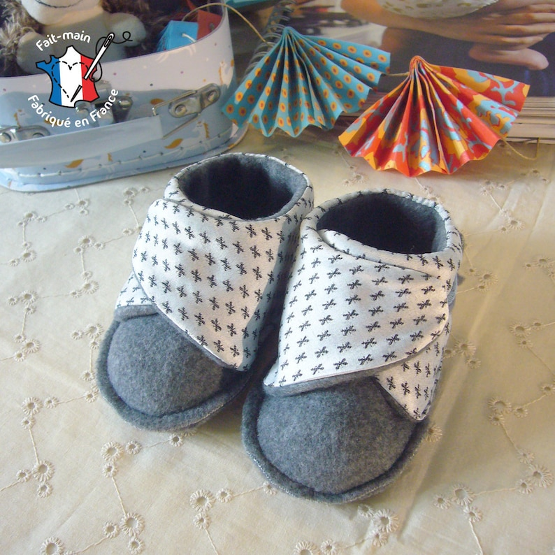 Sewing kit: 0-12 month old cotton and fleece baby slippers Satin gris-gris