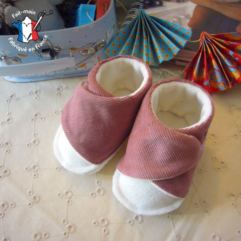 Baby slippers 0-12 months birth gift baby booties birth gift Rose et blanc