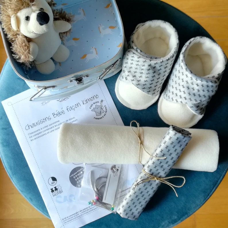 Couture kit: baby slippers 0-12 months in satin cotton and image 0