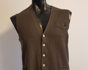 f17ebfa5d57e41 Mens button front vest in a grey brown machine knit small medium