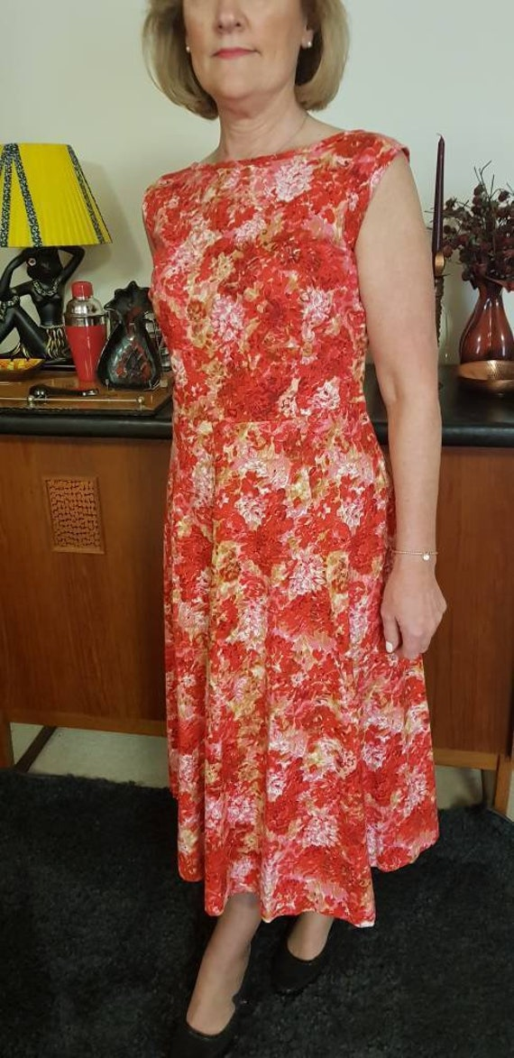 Red floral Mode O,Day dress with bow back large si