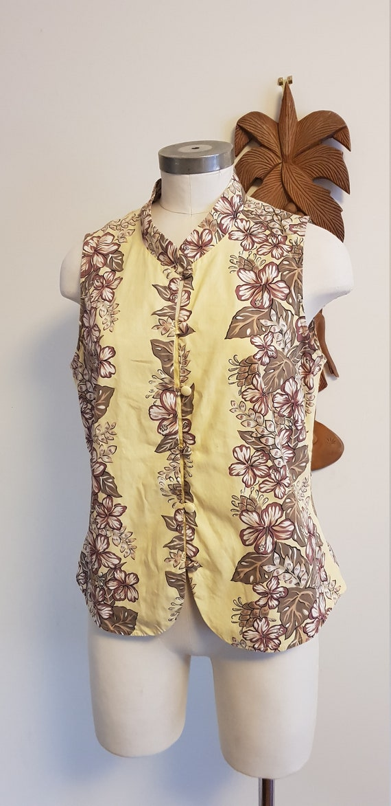 Womens Hawaiian Hilo Hattie cotton yellow print  t
