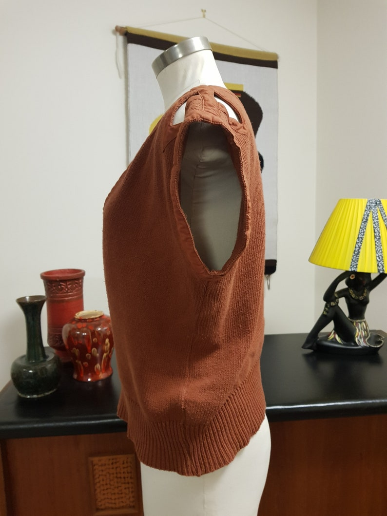 1980s Pierre Cardin tan Italian knit with cutout triangles on shoulders cotton medium large