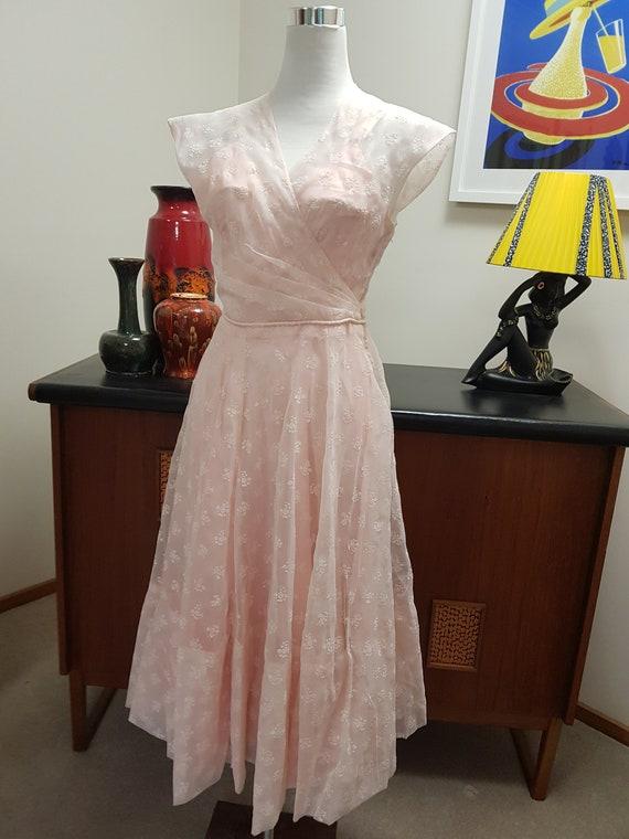 Gorgeous 1940s wedding bridal ball gown peach pink