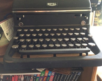 1940s Royal Typewriter