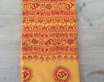 Yogi Scarf in cashmere and Silk with Ganesh print and mantras