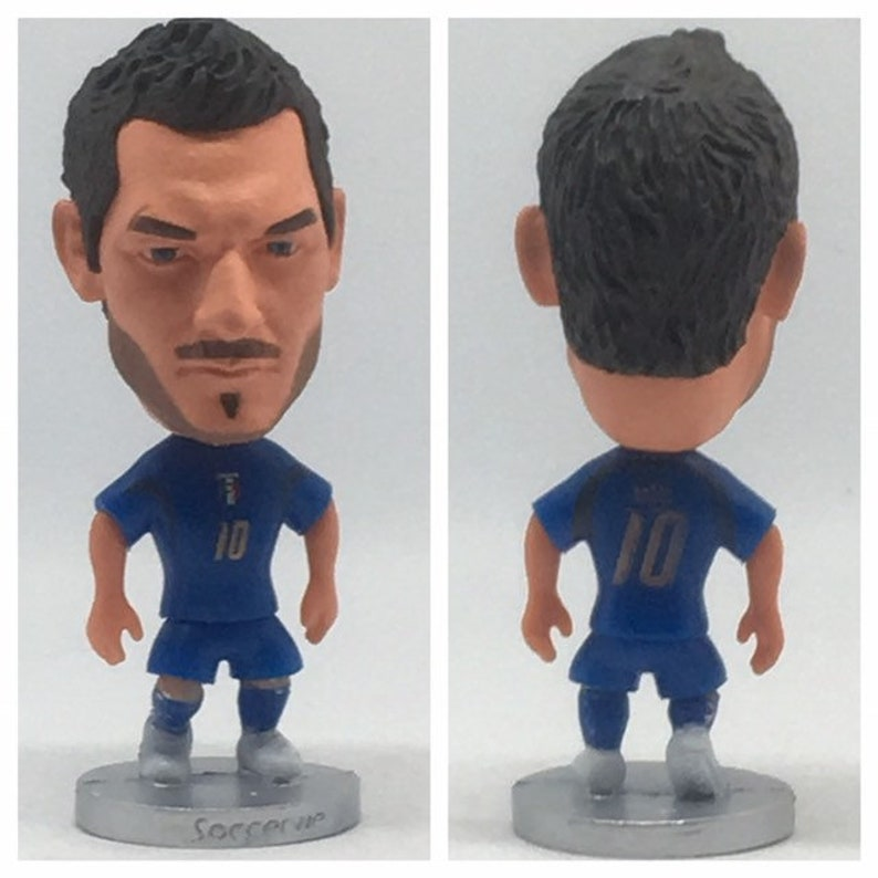 1213d421c11 Francesco Totti Classic Soccer Football Moveable Action Toy
