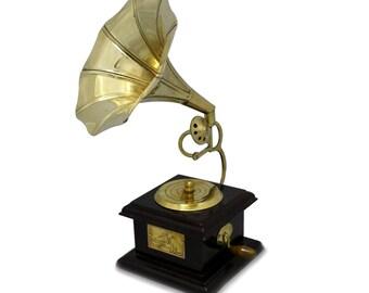 Metal Squire Gramophone Beautiful Look