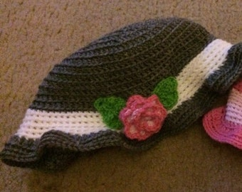 Crochet hat with flower