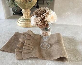 Shabby Chic Burlap Table Runner+Bouquet/Flowers+Handmade Ball Vase