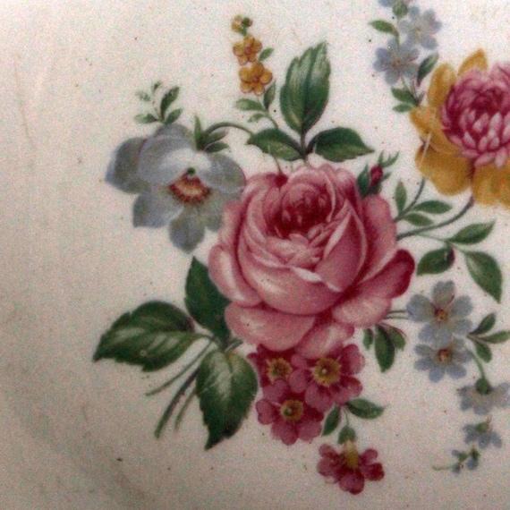 """Chine soucoupe 5"""" diam. jaune + bleu + rose Floral Design fleurs plat bordure or"""