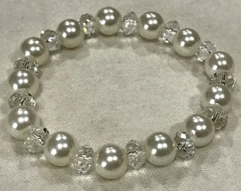 White Pearl and Clear Crystal Beaded Bracelet