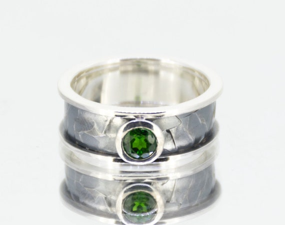 Emerald Green Silver Ring | Unique Engagement Ring | Hammered Ring