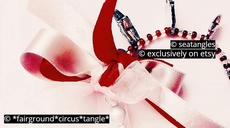 tangle bracelet *seatangles*fairground*circus*tangle* simple vintage red bangle bead bracelet colorful