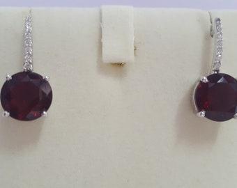 Classic Garnet Birthstone Earrings in 925 Silver