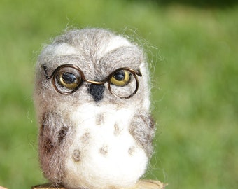 Needle felt owl with cute glasses, handmade felt sculpture, eco toys, collection gift, little handmade gift