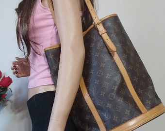 LOUIS VUITTON Vintage Bucket GM Open Top Deep Speedy Noe Style Classic  Brown Monogram Neverfull Laptop Ipad Apple Samsung Android W O Lining a4afebc71e28b